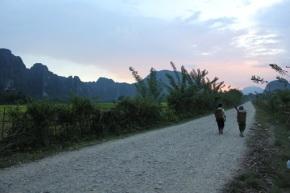Laos & Thailand 2012 – dag 4 – Met de lokale bus tot VangVieng